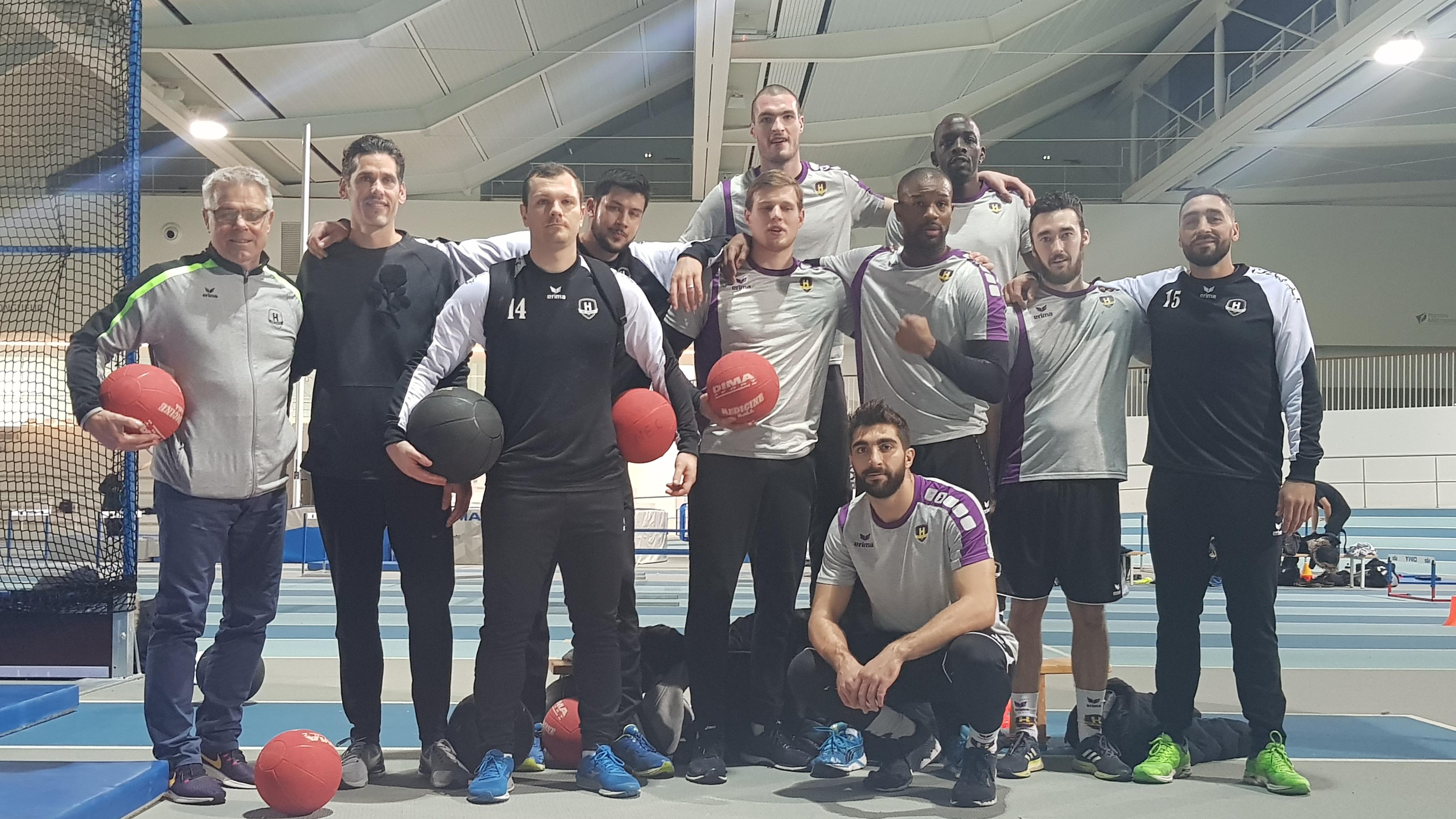 Les handballeurs du HBC Nantes au Stadium pour un entraînement d'athlétisme